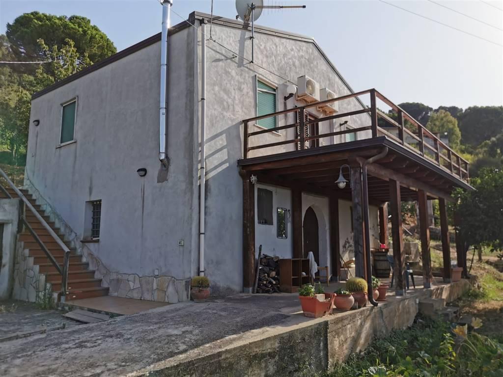 2011 – Casa singola a CAPO D'ORLANDO